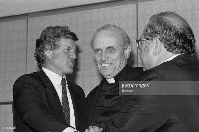 boston-sen-edward-kennedy-chats-with-congressman-robert-drin