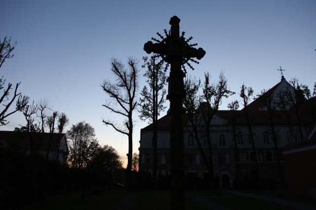uec_lt_kaunas_wooded_cross_franciscan_monastery_11_may_2017