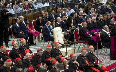 Pope's empty chair