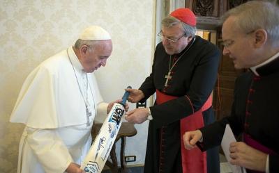 Pell, Pope, cricket bat