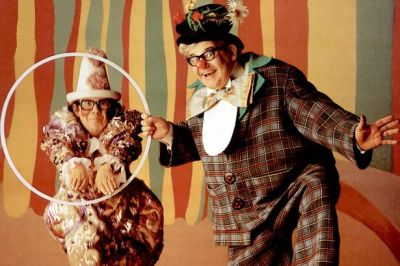 The two Ronnies as clowns